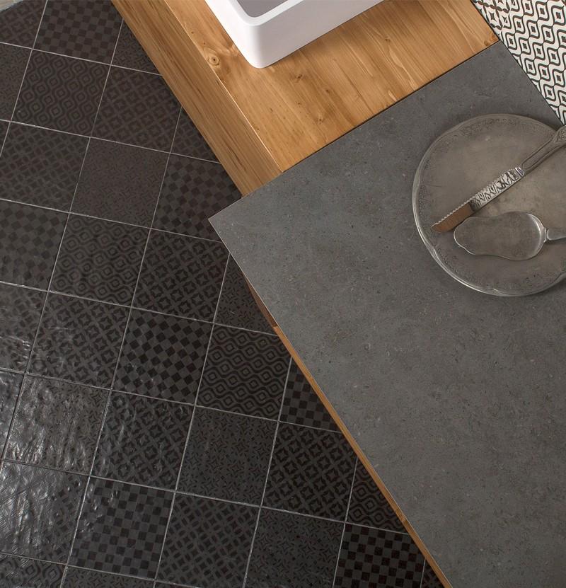 Pavimento cerâmico 22,3x22,3 Square trento nero
