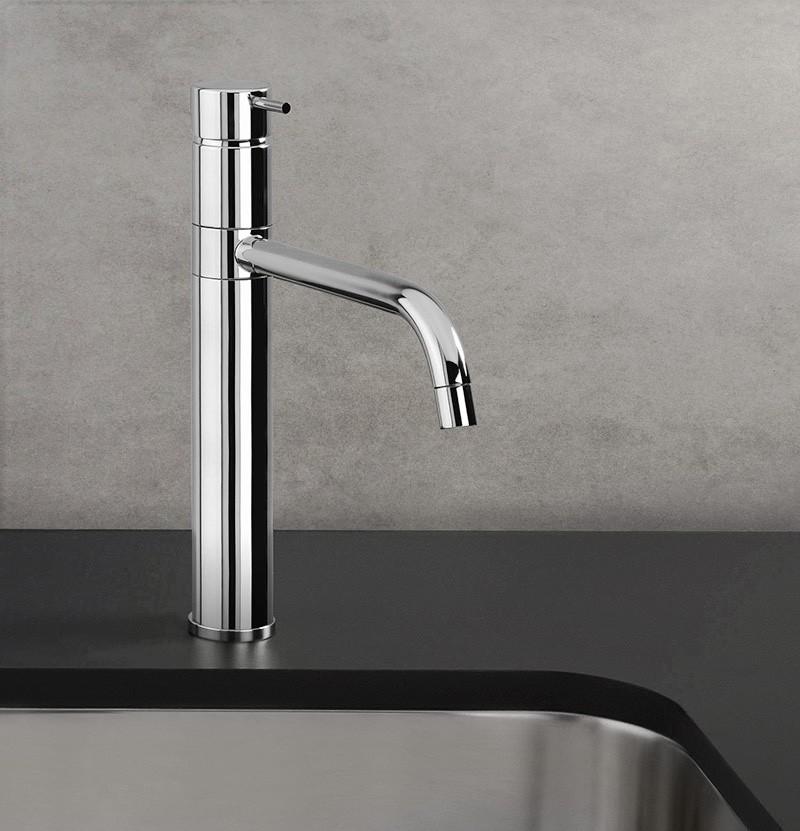 Torneira de cozinha Flow T1.50 cromada
