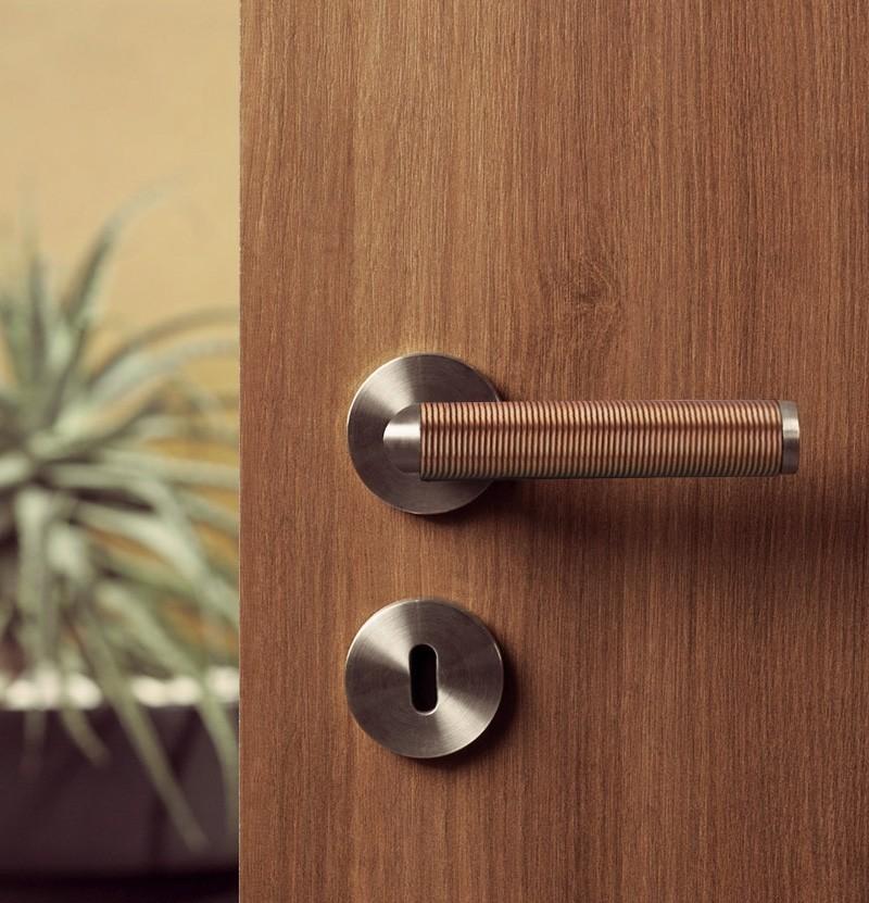 Puxador de porta Link Copper Wire IN.00.406 inox e cobre